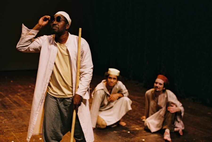 """Jorge Biague, Ridson Reis e Igor Lebreaud, """"As Orações de Mansata"""" (foto: Augusto Baptista)"""
