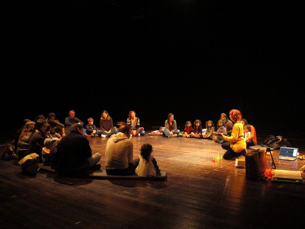 """""""Som a som, tom a tom"""" - oficina de música para pais e filhos, com Vânia Couto"""