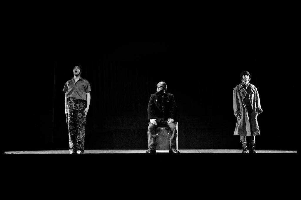 """Igor Lebreaud, Miguel Magalhães e Sofia Lobo, """"TOMEO Histórias Perversas"""" - foto de ensaio de Eduardo Pinto)"""