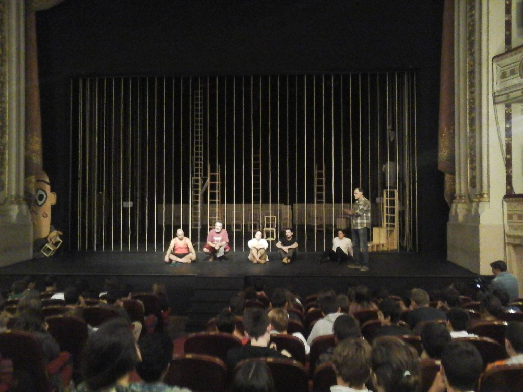 Embarcação do Inferno: sessão para o público escolar no Teatro Garcia de Resende, em Évora (Out/2016)