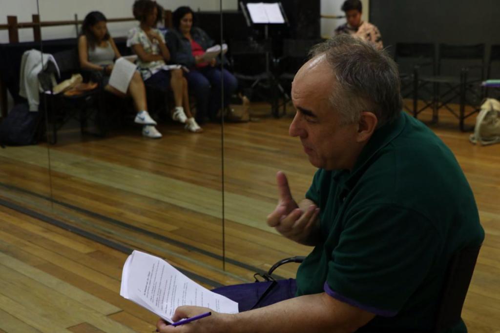 Carlos J. Pessoa, no primeiro ensaio da leitura (foto: Cláudia Morais / TAGV)