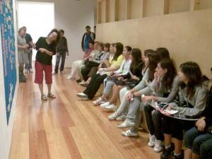 A visita guiada por Vera Mantero pelo trabalho da bailarina exposto no CAV