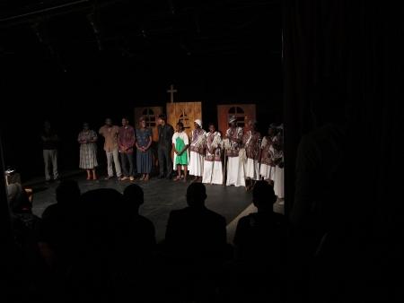 """""""Louco por mulheres"""", de José Silveira, pelo Miragens Teatro (Angola)"""