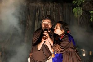 """Eduardo Correia e Joana Pupo, """"Que raio de mundo"""", pelo Teatro do Montemuro (foto: Leonel Balteiro)"""