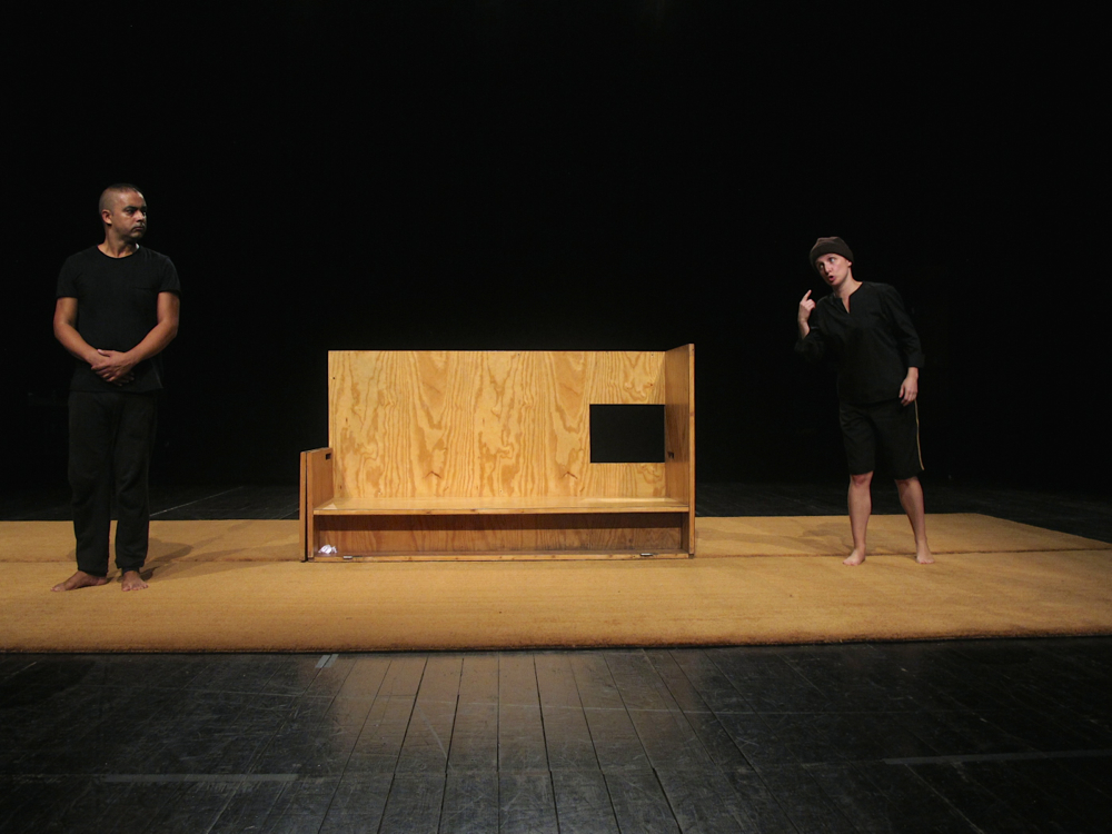 "Miguel Magalhães e Maria João Robalo, ensaio de ""Auto dos Físicos"" (foto: Pedro Rodrigues)"