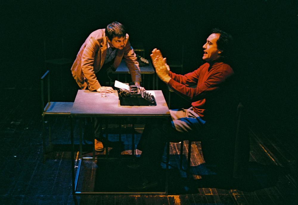 """Igor Lebreaud e Jorge Loureiro, """"Da sensação de elasticidade quando se marcha sobre cadáveres"""" (foto: Augusto Baptista)"""