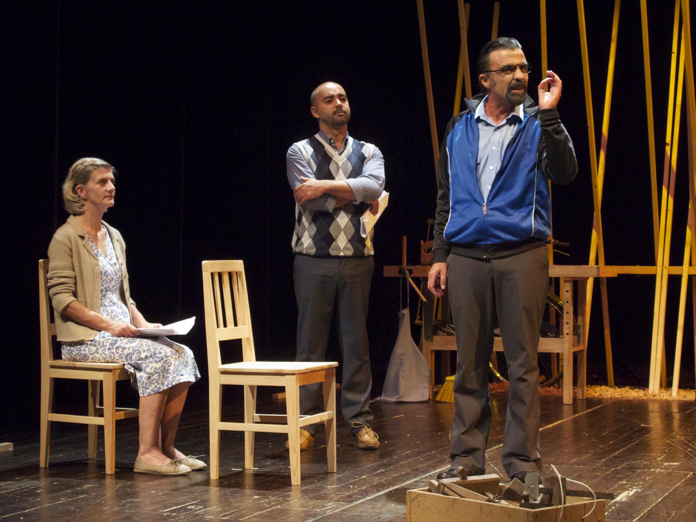"Sofia Lobo, Miguel Magalhães e Ricardo Kalash, ""A Canoa"" (foto: Pedro Rodrigues)"