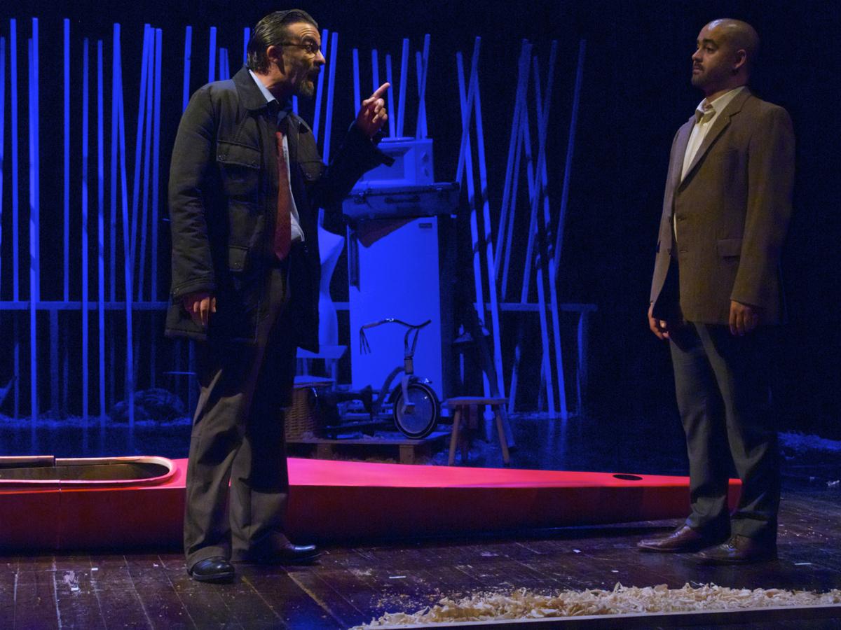 """Ricardo Kalash e Miguel Magalhães, """"A Canoa"""" (foto: Pedro Rodrigues)"""