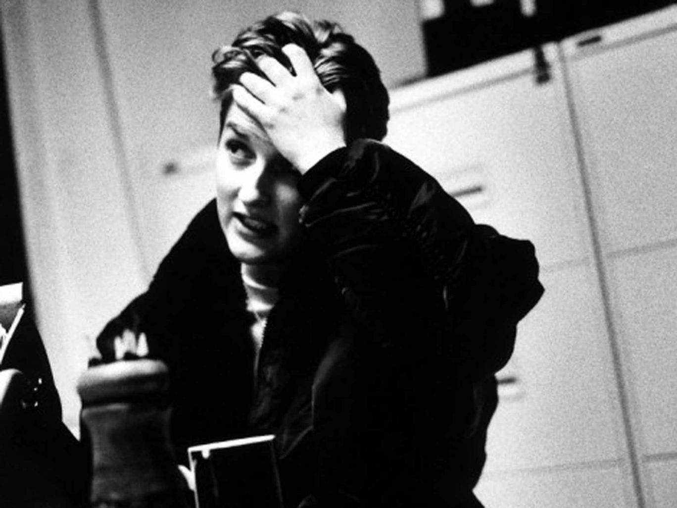 Sarah Kane (foto: Independent - http://www.independent.co.uk/arts-entertainment/theatre-dance/features/sarah-kane-why-the-iconic-playwright-who-committed-suicide-is-as-controversial-as-ever-10003985.html)