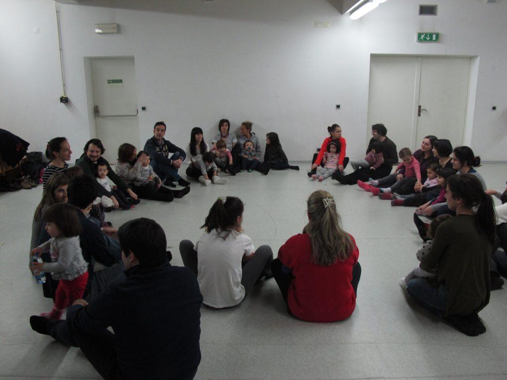 """Oficina """"Dança para pais e filhos"""", com Leonor Barata"""